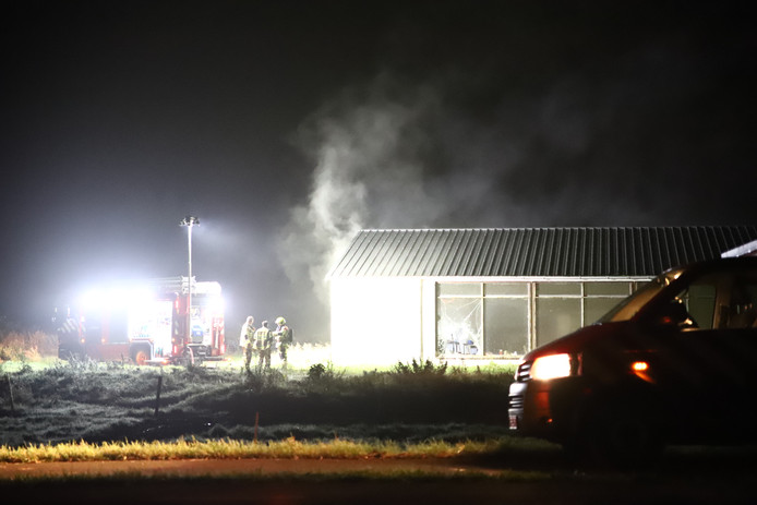 Brand in een loods in Boven-Leeuwen.