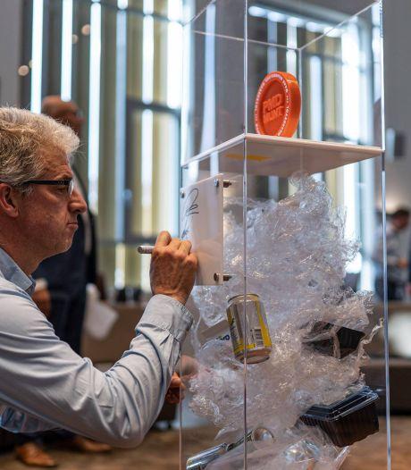 Allemaal op jacht naar plastic doppen, voor een duurzaam cadeau