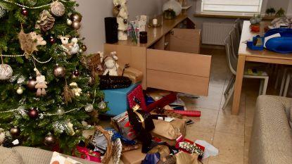 Inbrekers pakken kerstcadeaus uit, nemen mee wat zij leuk vinden en laten puinhoop achter