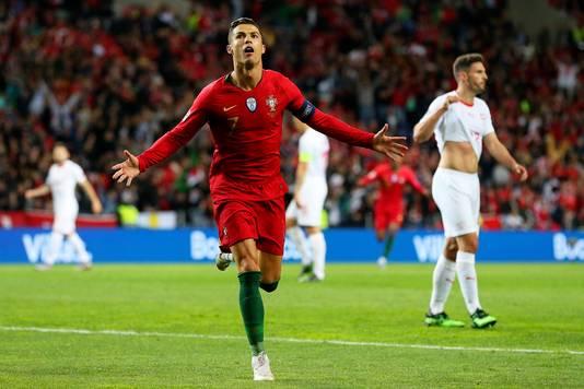 Cristiano Ronaldo was met drie goals de held van de natie.