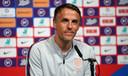 Phil Neville , de bondscoach van het Engelse vrouwenteam.