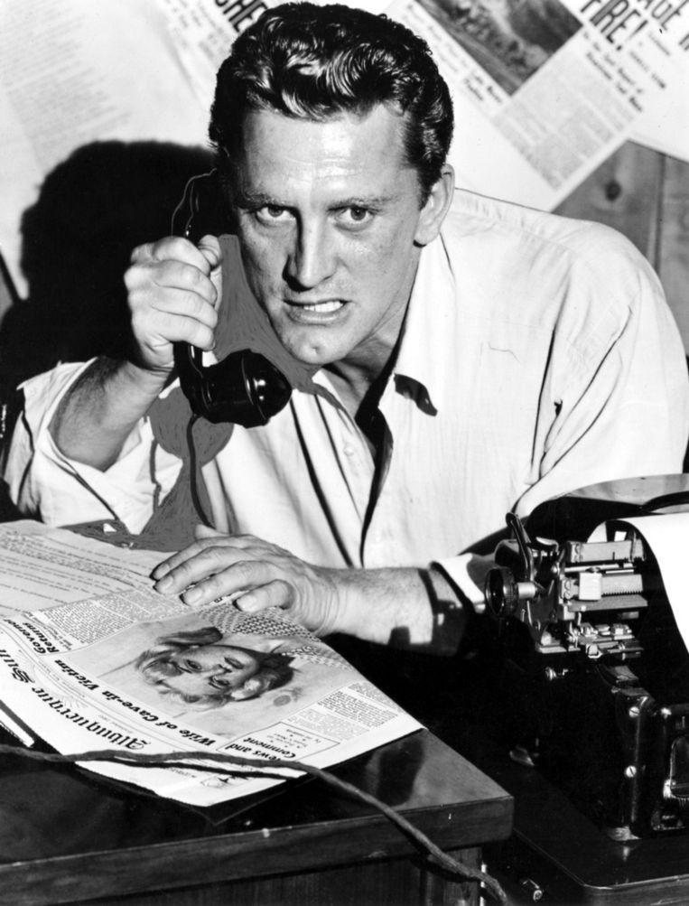 In Ace in the Hole (1951) van Billy Wilder dwarsboomt journalist Kirk Douglas bewust een reddingsoperatie. Beeld