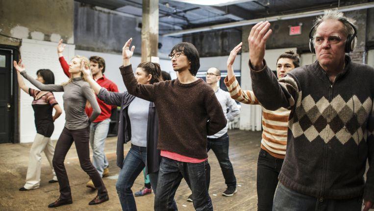 Deelnemers aan de New Yorkse uitvoering van het bewegingstheaterwerk The Record in januari dit jaar. Beeld Noorderzon 2014 - 600 HIGHWAYMEN