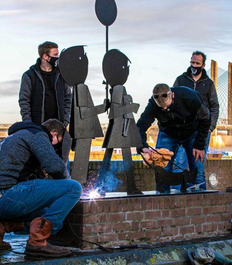 Ontvoerd standbeeld van Jip en Janneke van Friesland weer terug naar Zaltbommel