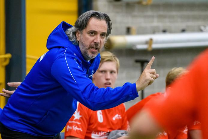 """Fernando Nunes is de nieuwe trainer van Hellas. ,,De perfecte club om te werken."""""""