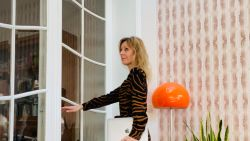 OPROEP. #Kleeduopinuwkot: hoe ga jij gekleed naar het (thuis)werk?