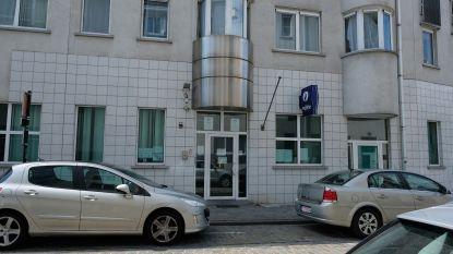 Dieven stelen uniformen en kepie bij politie in Brussel