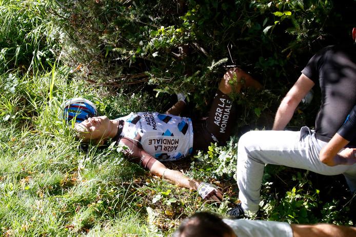 Jan Bakelants na zijn zware val in de Ronde van Lombardije.
