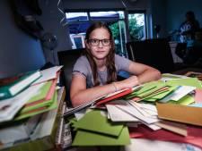 Jolie (13) na ontdekking tumor dankzij oproep GeenStijl overstelpt met kaartjes: 'Ze is zo flink'