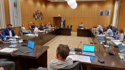 Eerste gemeenteraad in stadhuis sinds coronacrisis in Poperinge