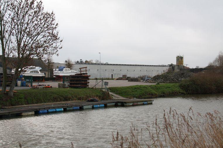 Tijdelijke camperparking met acht plaatsen in de Heernisse in Diksmuide komt er niet. In de plaats komt een steiger om transport van slib via de IJzer te kunnen vervoeren.