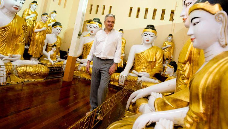 Didier Reynders is op bezoek in Myanmar.