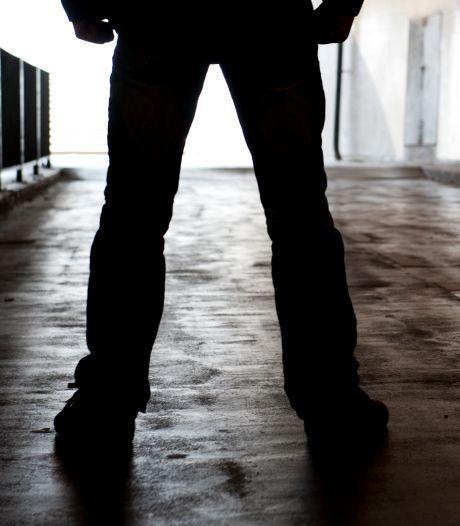 Man knock-out geslagen bij berovingen Den Haag