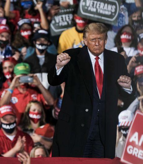 Trump danse sur YMCA lors d'un meeting de campagne