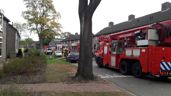 De brandweer in de straat.