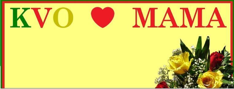 Banner waarop fans van KV Oostende de naam van hun mama kunnen laten drukken