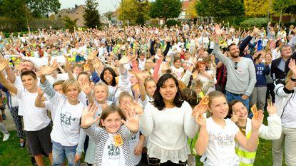 Alle scholen zingen samen tegen armoede