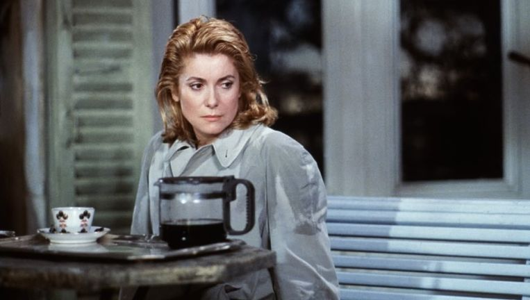 Catherine Deneuve in Le lieu du crime. Beeld