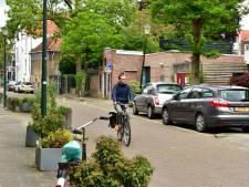 Eindelijk een oplossing voor laden en lossen Albert Heijn op zondag in krappe Naaierstraat