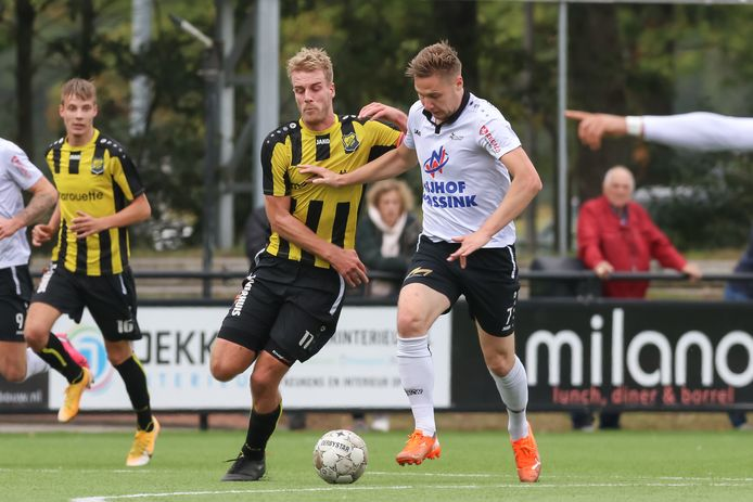 SVZW wint de derby met DOS'37  Michel Kamphuis (DOS 37) - Frank Smit (SVZW)