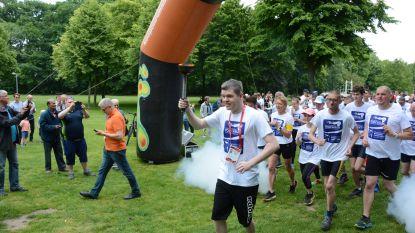 Aftrap is gegeven van Special Olympics: 200 lopers escorteren Olympisch vuur van Beveren naar Sint-Niklaas
