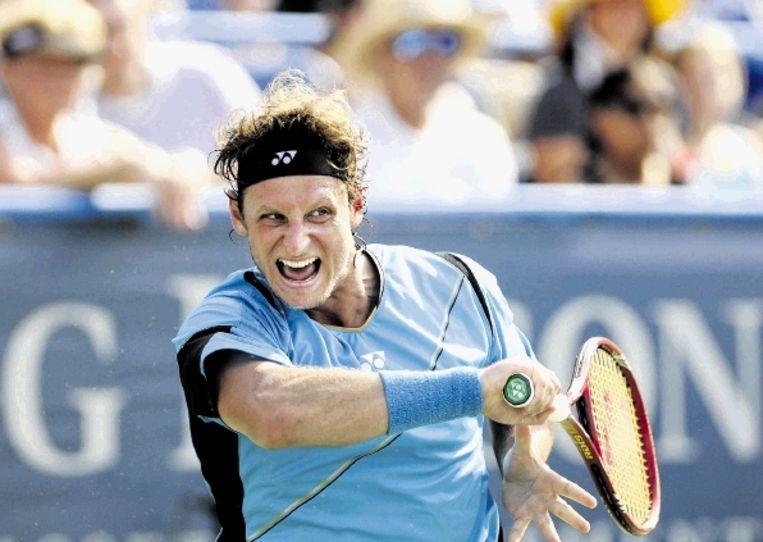 David Nalbandian versloeg in de finale Marcos Baghdatis. (FOTO REUTERS) Beeld