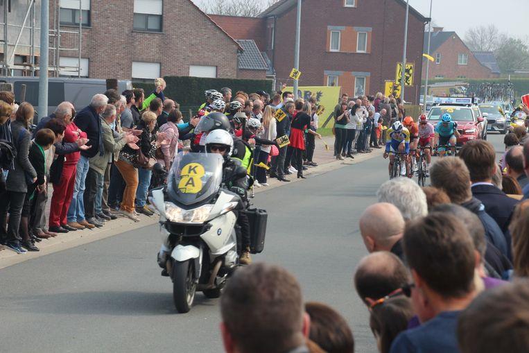 Het publiek in Aaigem kreeg vorig jaar dankzij een vroege kopgroep een dubbele passage te zien.