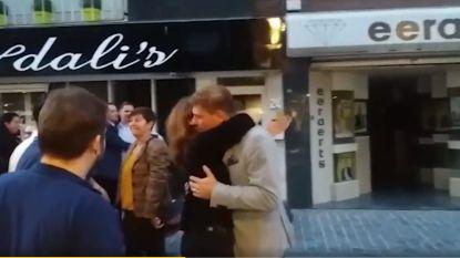 VIDEO: Boomse burgemeester feestelijk onthaald