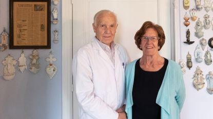 """84-jarige huisarts werkt vlijtig verder tijdens coronacrisis: """"Bang? Integendeel, dit zijn uitzonderlijk boeiende tijden"""""""