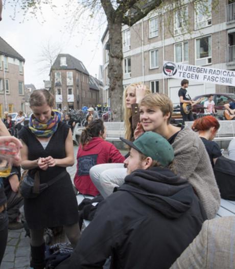 Links in actie in centrum Nijmegen, extreemrechts naar Dukenburg