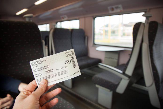 La SNCB et De Lijn revoient leurs tarifs.      PICTURE NOT INCLUDED IN THE CONTRACT