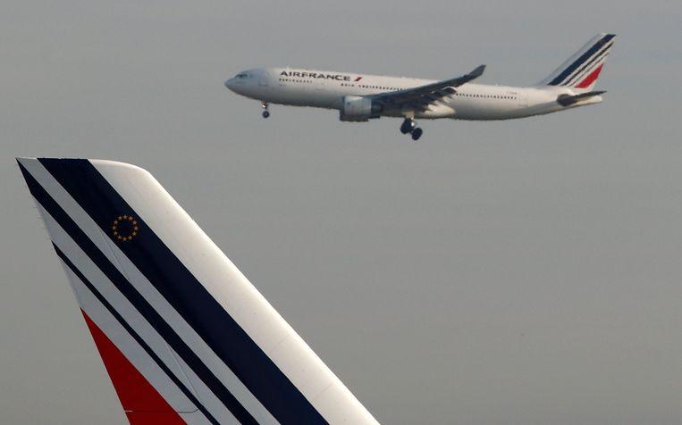 Een vliegtuig landt weer op Roissy.