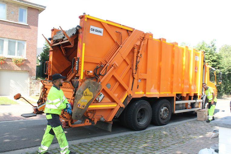 De vuilnisophaling bij Interza en Incovo komt momenteel niet in het gedrang door het coronavirus, maar omdat meer mensen thuis werken, is het voor de vuilniswagens niet gemakkelijk rijden.