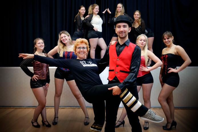 Anja Rietveld geeft al vijftig jaar dansles in Gorinchem en omgeving.