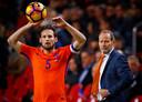 Aanvoerder Daley Blind en bondscoach Danny Blind in hun tijd samen bij Oranje.
