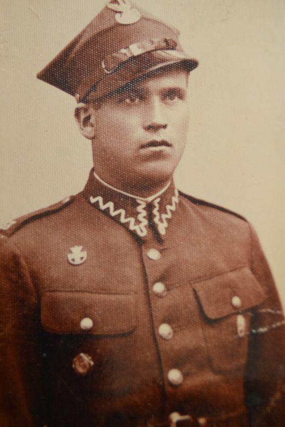Eugeniusz als jonge Pools soldaat.