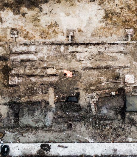 Vraagtekens bij archeologische vondst uit 1850: 'Boer had opvallende gewoonte om zijn dode dieren in zijn stal te begraven'