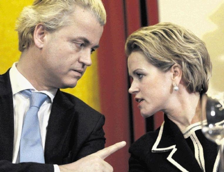 Wilders met de Limburgse lijsttrekker, tevens Europarlementariër, Laurence Stassen. (FOTO MARCEL VAN HOORN,ANP) Beeld ANP