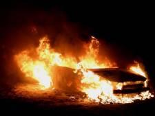 Autobrand in weiland tussen Cromvoirt en Den Bosch