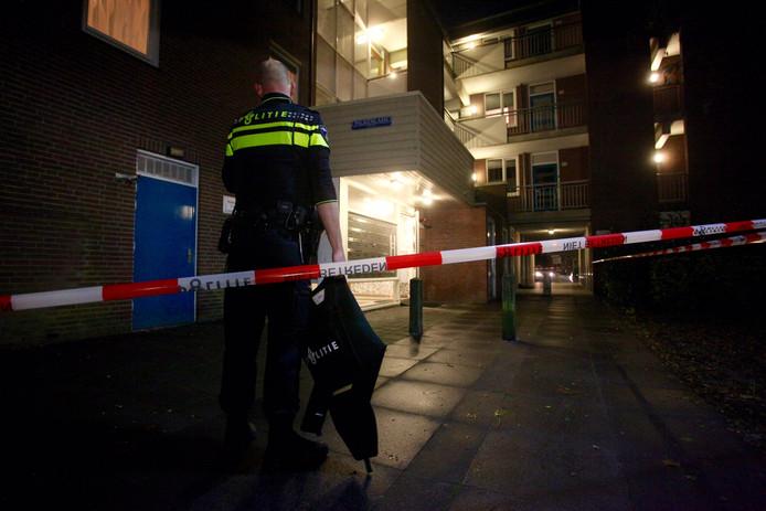 De politie ging met kogelwerende vesten opzoek naar de verdachten.