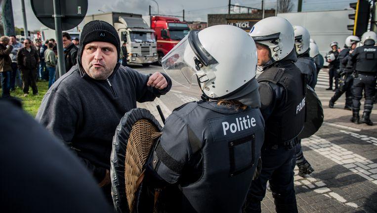 Boze foorkramers blokkeerden op 26 maart met hun vrachtwagens verschillende toegangswegen tot de Antwerpse binnenstad, met urenlang fileleed tot gevolg.