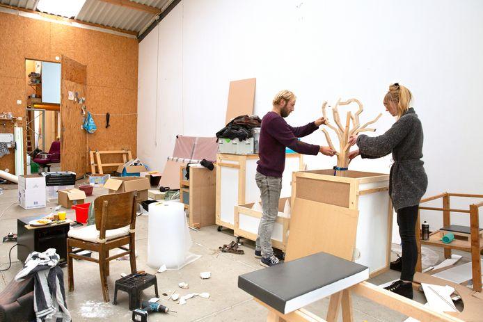 Kunstenaar Erik Sep is een van de atelierhouders van Kaus Australis aan de Melanchthonweg die eind deze maand het pand moet verlaten.