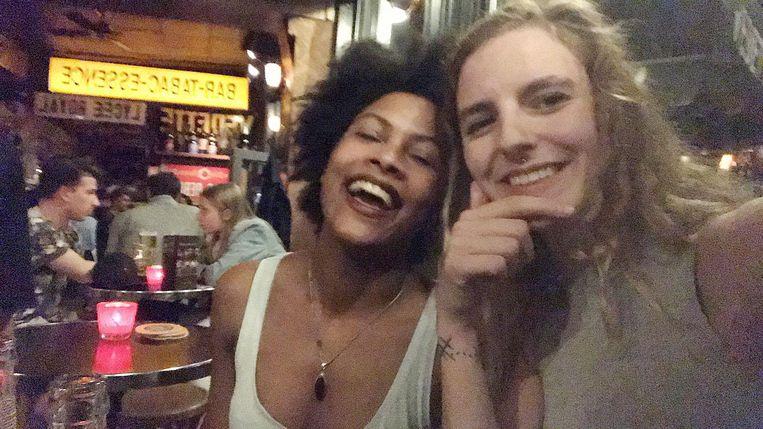 Canelle De Loddere (22) en Xena Van den Langenbergh (19) waren hartsvriendinnen.