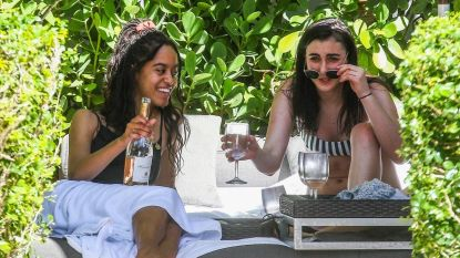 Voormalige 'First Daughters' springen in de bres voor drinkende Malia Obama