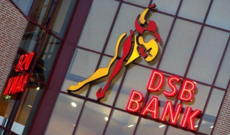 Organisaties die opkomen voor de belangen van gedupeerde klanten van DSB Bank, mogen in individuele gevallen geen financieel advies geven of bemiddelen zonder vergunning. ANP Beeld