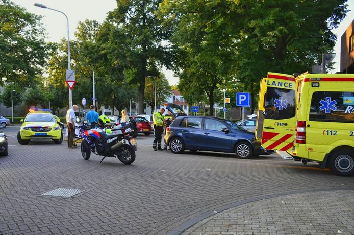 De ambulance bracht de onfortuinlijke vrouw naar het ziekenhuis.