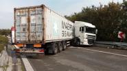 Havenknooppunt tussen A12 en E34 naar Beveren versperd door ongeval met truck