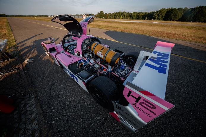 Het team wilde de Forze VIII testen op de landingsbaan, maar dat mislukte. 'Hoort erbij in de racewereld'.