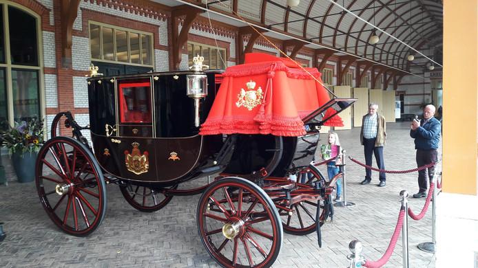 Eén van de koninklijke koetsen die dit weekeinde op Paleis Het Loo te zien zijn.