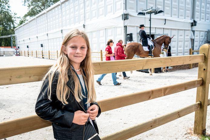 """'Paardenmeisje' Lisalotte op het EK paardensport in Rotterdam. ,,Je hebt echt een band met een paard."""""""